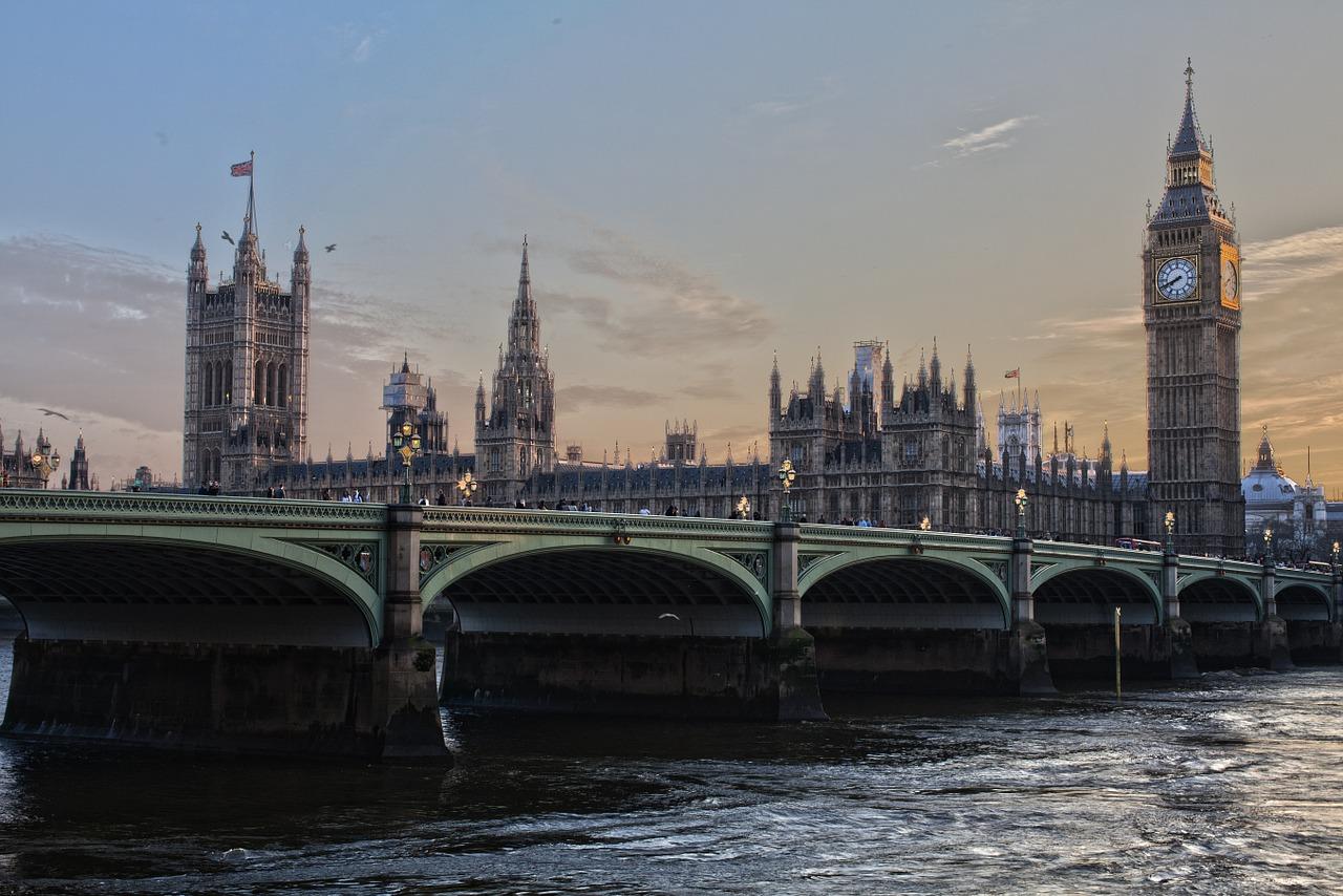 london 530055 1280 - 7 good reasons to learn English